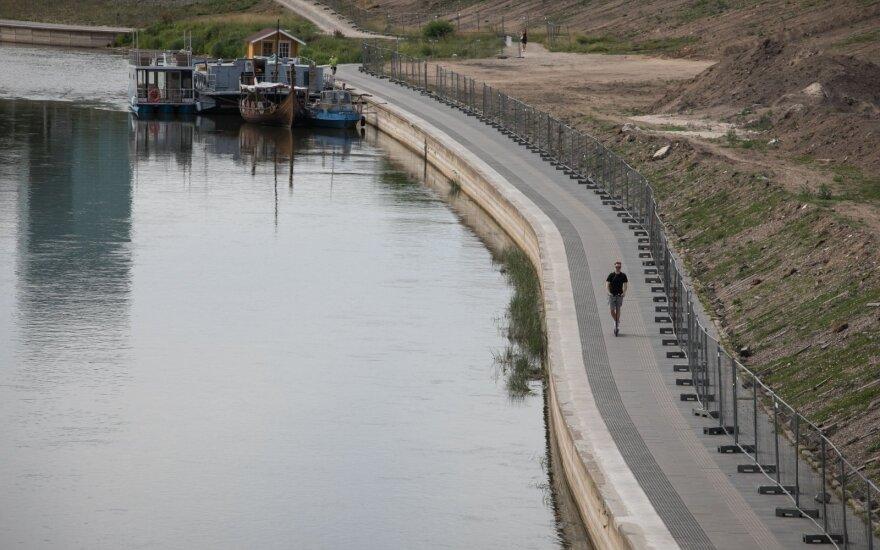 Įspėja dėl susidariusios padėties: upės pavojingos laivybai