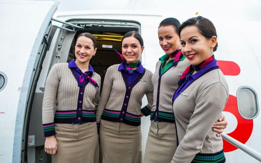 Ką pirmiausia pastebi skrydžių palydovai, keleiviams lipant į lėktuvą