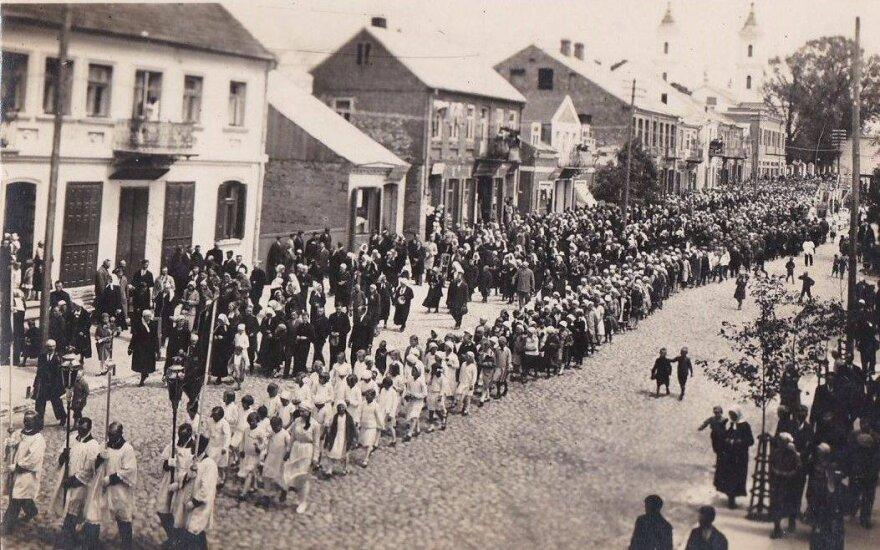 Prieškario Kalvarija: minias žmonių sutraukdavę atlaidai ir didžiausias jomarkas apskrityje