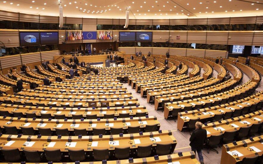 Kas ketvirtas Lietuvos europarlamentaras skelbia susitikimus su lobistais