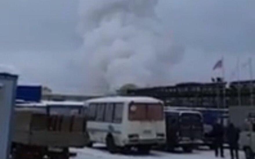 Prie Sankt Peterburgo driokstelėjo sprogimas, pastatas visiškai sunaikintas, yra sužeistų