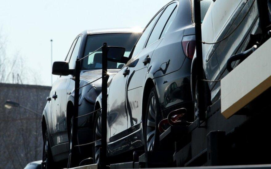 Pirkėją aplink pirštą apsukęs BMW pardavėjas apsigavo ir pats