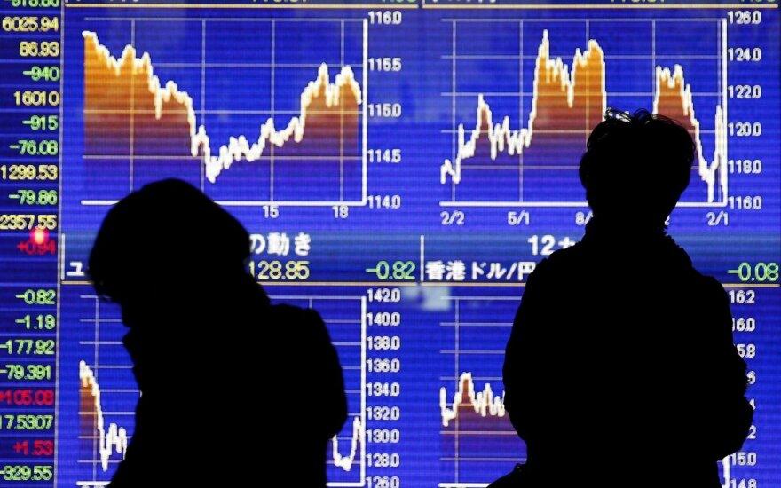 Trumpas apkaltino Europos sąjungą bei Kiniją dėl įtakos valiutai darymo
