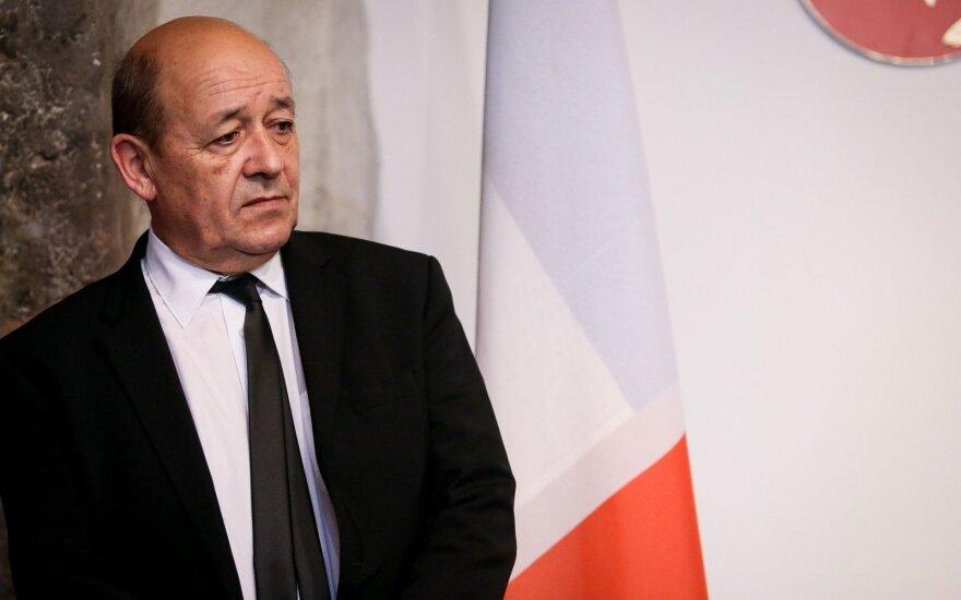 Rusija – Ukrainos konflikto agresorė, sako Prancūzijos diplomatijos vadovas