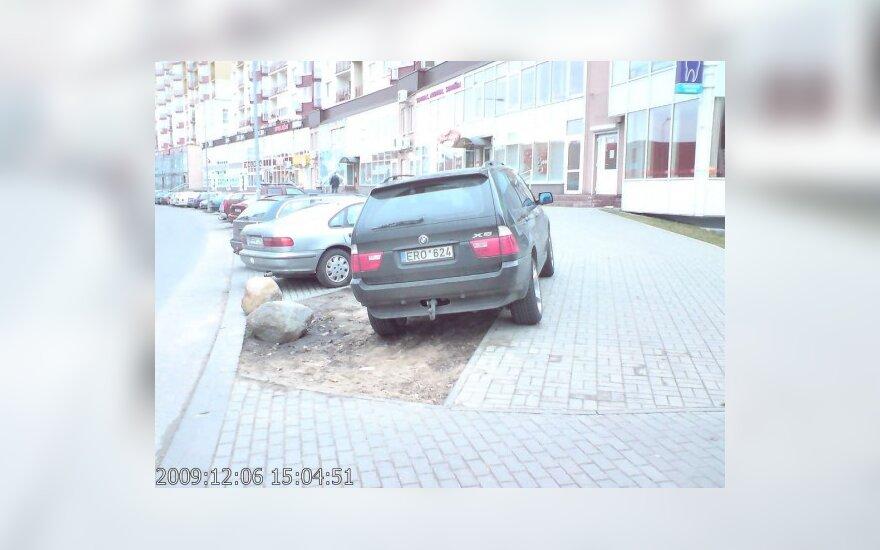 Vilniuje, S.Žukausko g. 39. 2009-12-06, 15.04 val.