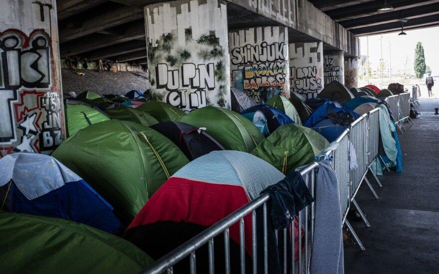 Prancūzijos vyriausybė nurodė evakuoti žmones iš migrantų stovyklos Paryžiuje
