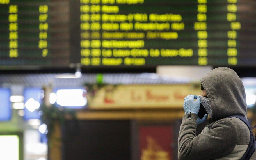 Atslūgus koronaviruso krizei, oro linijos tikisi naujų higienos taisyklių lėktuvuose