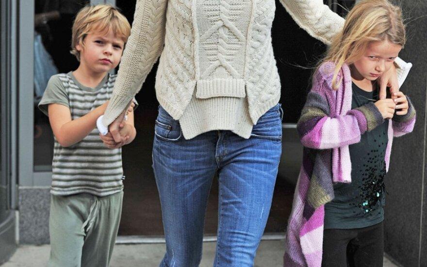 Gwyneth Paltrow su dukra Apple ir sūnumi Moses