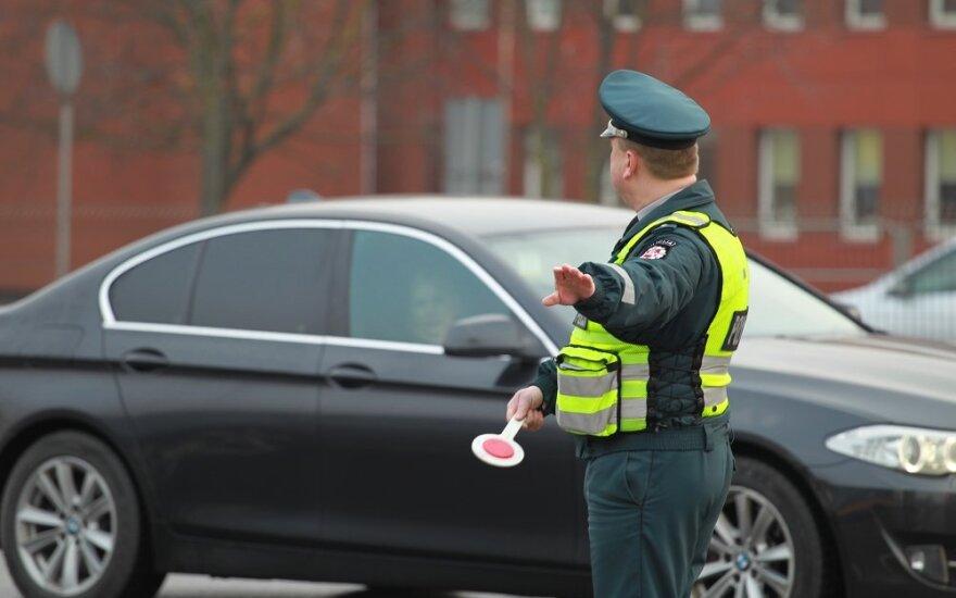 Vilniaus gatvėse eismą reguliuoja pareigūnai