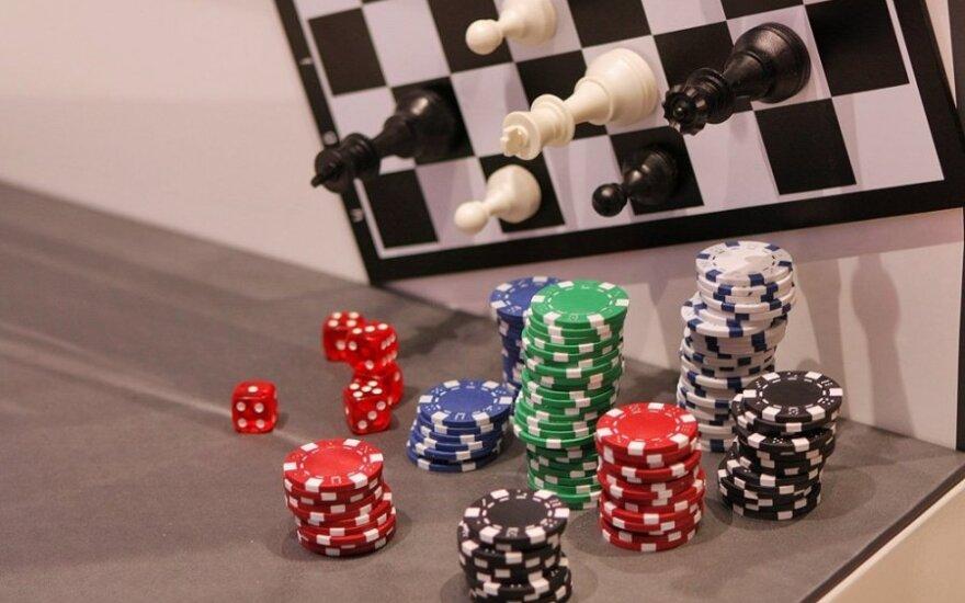 Seimas apsispręs, ar didinti loterijų ir lošimų mokesčius