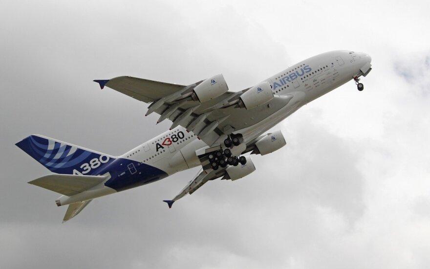 """""""Airbus"""" nutraukia brangių superlainerių A380 gamybą"""