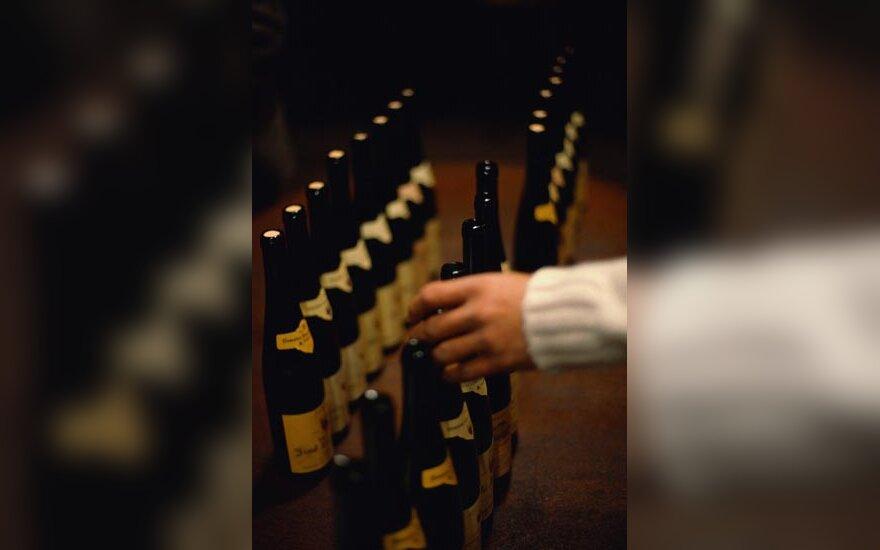 Vynas, alkoholis, vyno buteliai