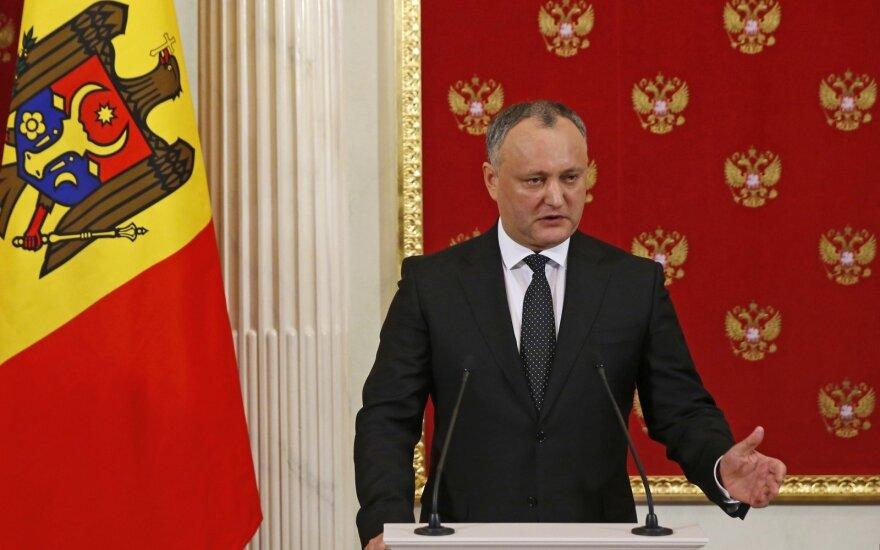 Moldovoje laikinai nušalintas prezidentas, sušaukti pirmalaikiai rinkimai