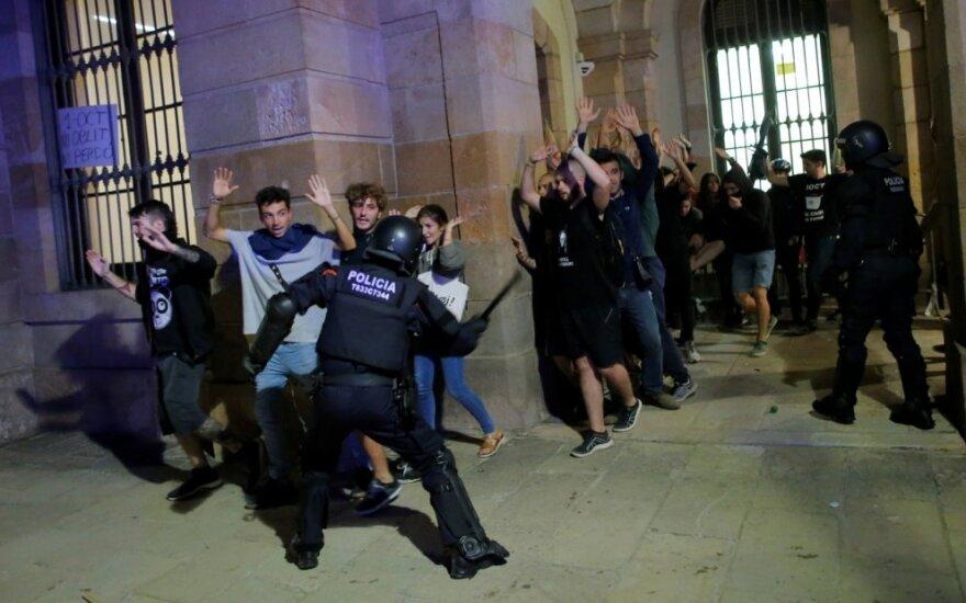 Barselonoje kilo nepriklausomybės šalininkų susirėmimai su policija