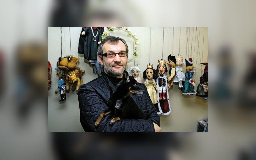 Režisierius Antanas Markuckis su savo numylėtiniu Džimuku