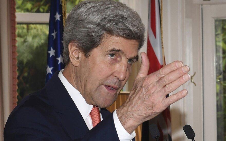Johnas Kerry prasitarė apie Obamos padarytą klaidą: JAV už tai brangiai sumokėjo