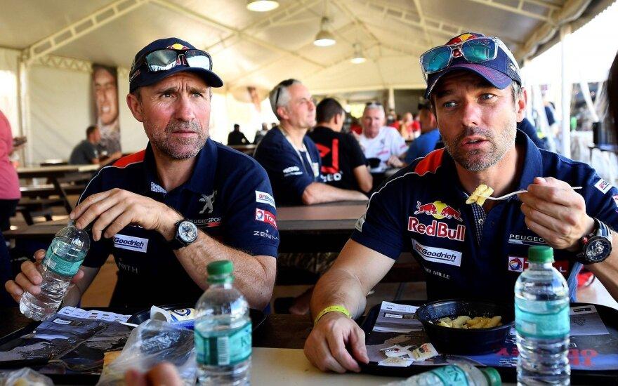 Po devynių etapų atkakliausiai dėl pirmosios vietos varžosi S. Peterhanselis ir S. Loebas
