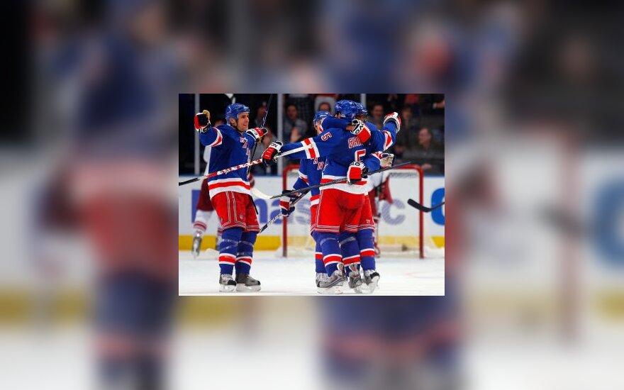 """""""Rangers"""" pasivijo NHL pirmenybių Rytų konferencijos lyderį"""