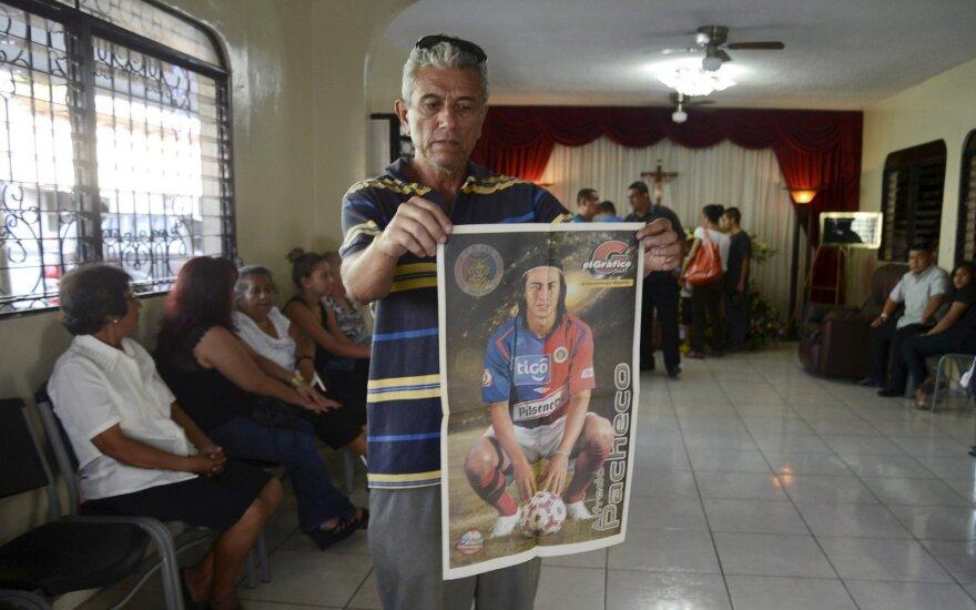 Artimieji atiduoda paskutinę pagarbą Alfredo Pacheco