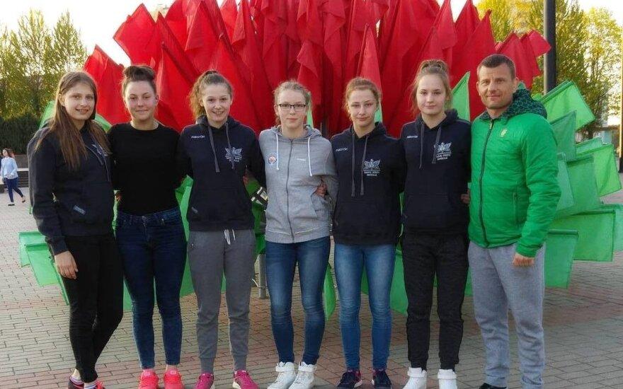 Kamilė Gaučaitė, Auksė Rutkauskaitė, Ineta Dantaitė, Viktorija Augustauskaitė, Kamilė Šernauskaitė, Justina Čekaviciūtė, treneris Aivaras Kaselis