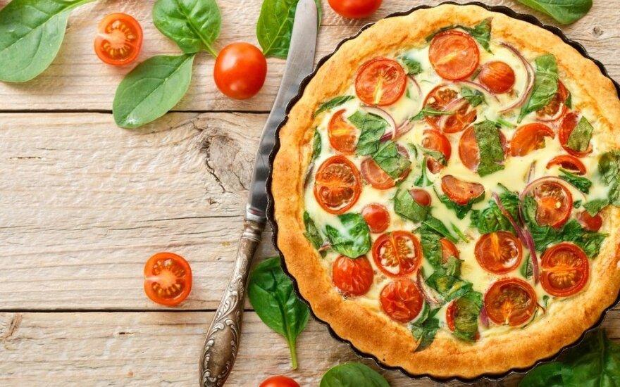 Pikantiškas pyragas su pomidorais ir sūriu
