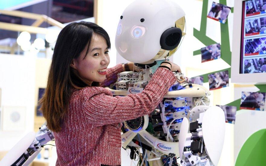 Įvardijo savybes, dėl kurių robotai nepralenks žmogaus