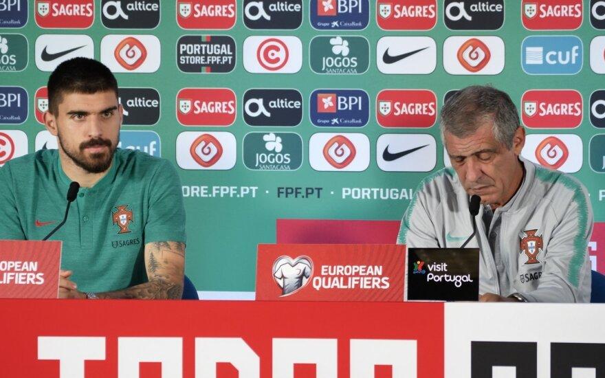 Portugalijos rinktinės saugas Rubenas Nevesas bei rinktinės strategas Fernando Santosas
