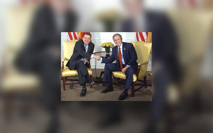 Gerhard Schroeder ir George W. Bush