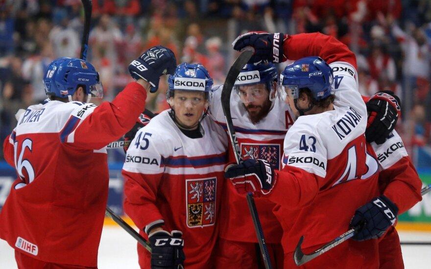 Pasaulio ledo ritulio čempionatas: čekai aplenkė rusus ir susitiks su JAV