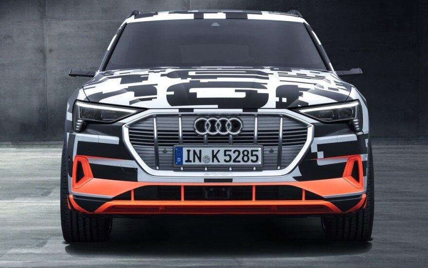"""Audi E-Tron"""