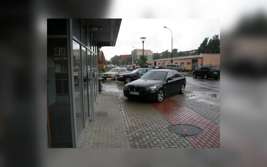 Klaipėdoje, Birutės g. 22. 2010-08-25, 12.15 val.