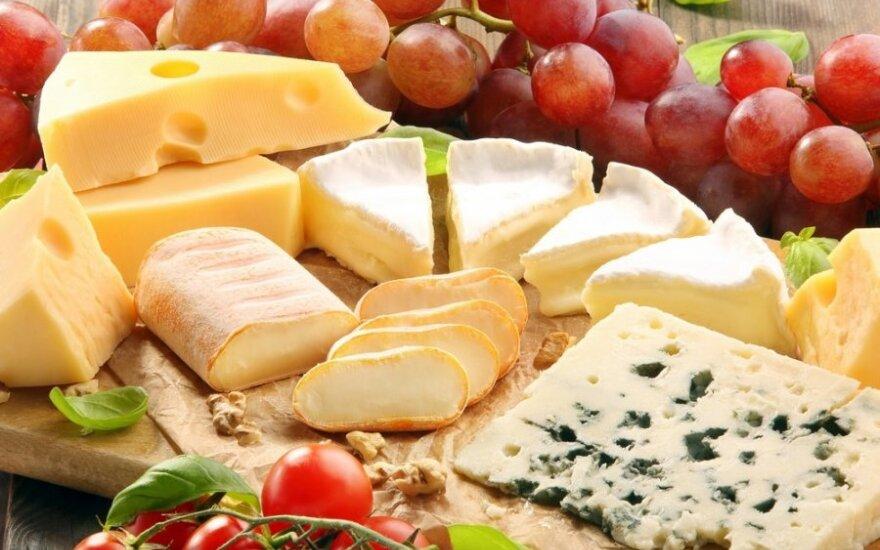 Sūrių lėkštė – desertui: patarimai ir receptai