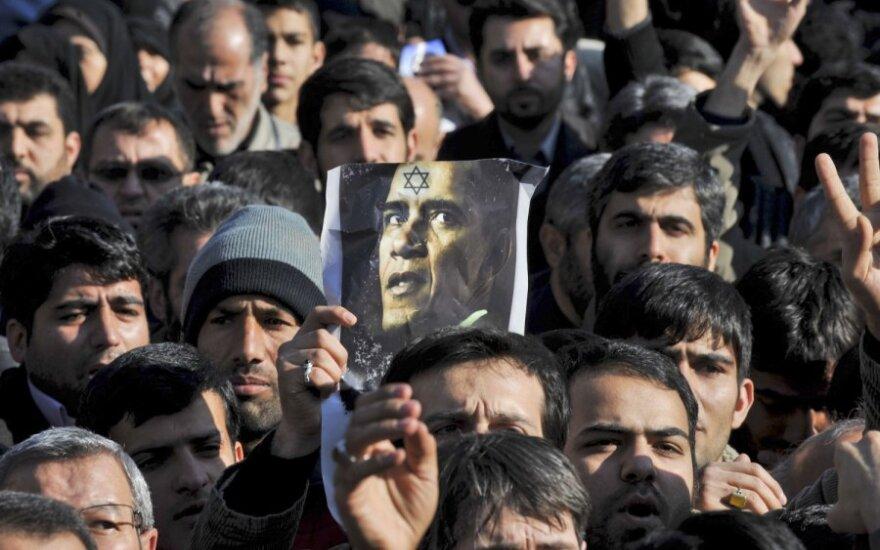 Nužudyto iraniečio laidotuvėse skambėjo: mirtis Amerikai!