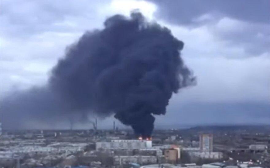 Rusijoje dega gamykla, kurioje gaminamos tarpžemyninės raketos