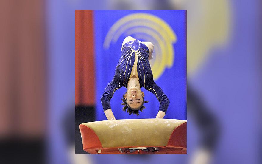 Gimnastė Youna Dufournet