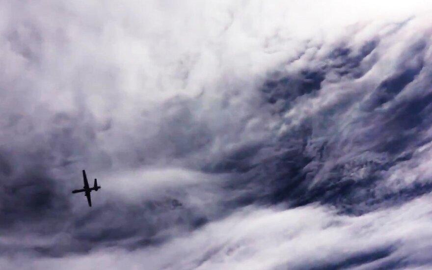 Rusija nutraukė sunkiojo bepiločio atakos lėktuvo kūrimo projektą