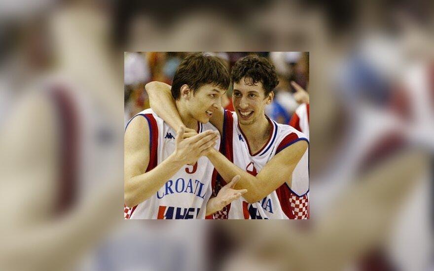 Kroatai Marko Tomasas ir Roko-Leni Ukičius džiaugiasi pergale