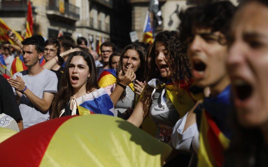 Madrido teismas pradėjo nagrinėti Katalonijos separatistų bylą