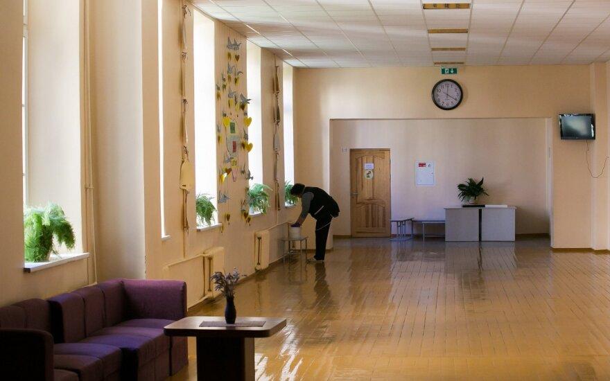 Turi klausimą Lietuvos darbdaviams: kodėl net valytojos darbui reikia patirties?