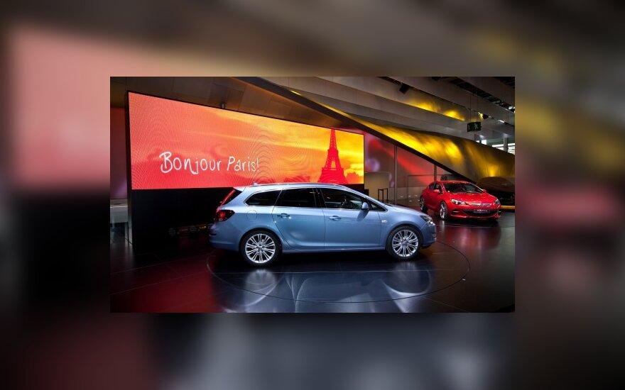 """Paryžiaus automobilių paroda: """"Opel Astra Sports Tourer"""""""