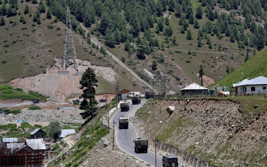 Pasienio konfliktas kaista: 3 Indijos kariai žuvo po susirėmimo su Kinijos pajėgomis ginčytiname Kašmyre
