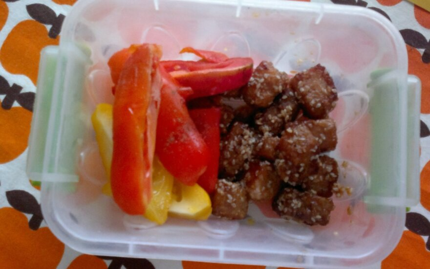 Dieviški vištienos kąsneliai su daržovėmis