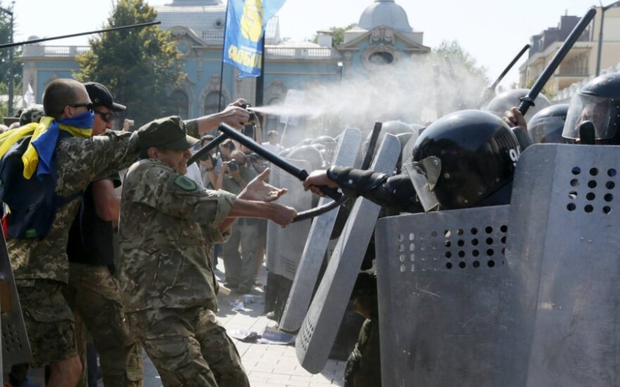 Outbreak of violence is test for Ukrainian government, Lithuanian foreign minister says