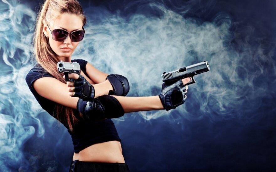 Keisčiausios specialybės: nuo ginklų ar alkoholio specialisto iki profesionalios auklės