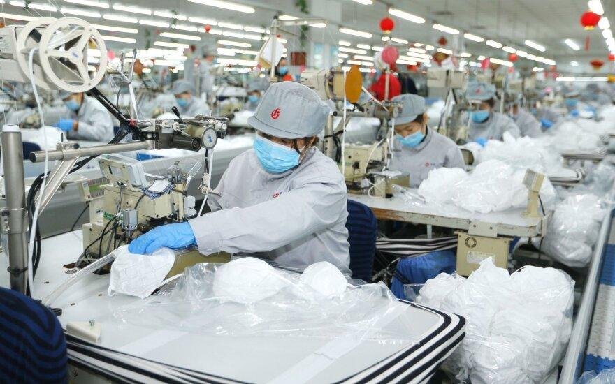 Kinijoje atleisti koronaviruso epidemijos epicentre esančios provincijos partijos lyderiai