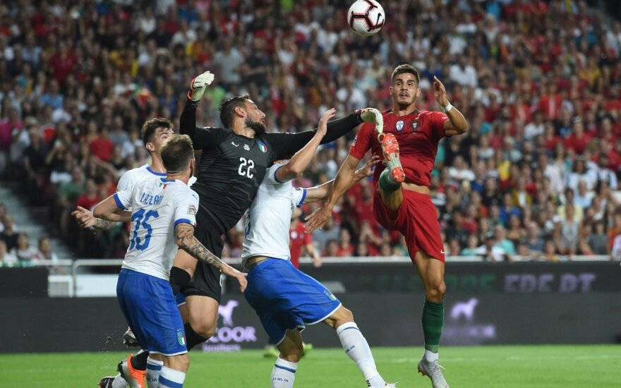 Portugalai ir be Ronaldo patiesė Italiją, turkai triumfavo Švedijoje