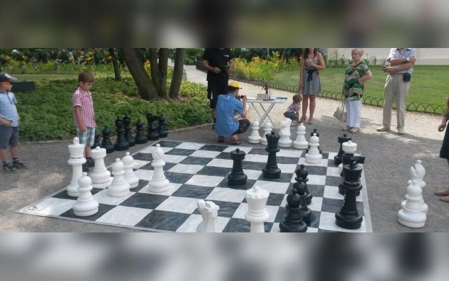 Šachmatų dienos minėjime – Ostapo Benderio simultanas