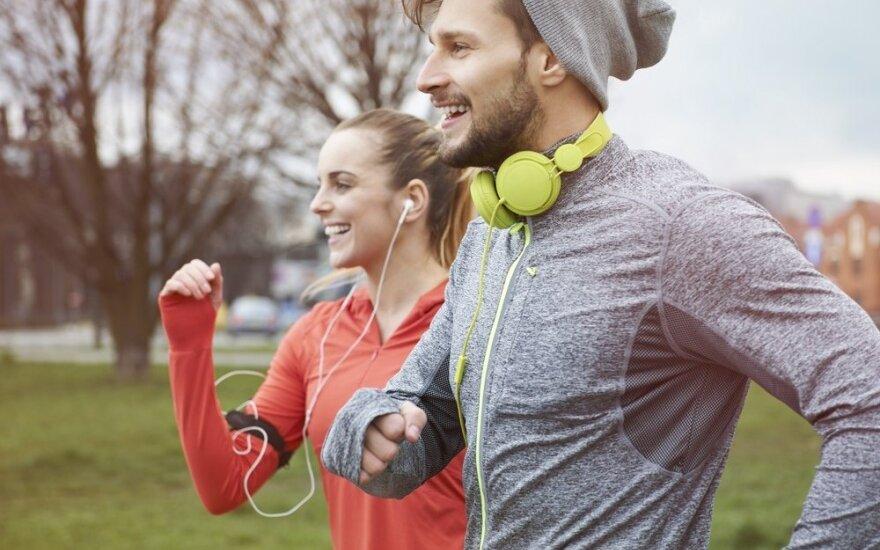 """Treniravimasis poroje: ar sportas drauge tvirtina santykių """"raumenis""""?"""