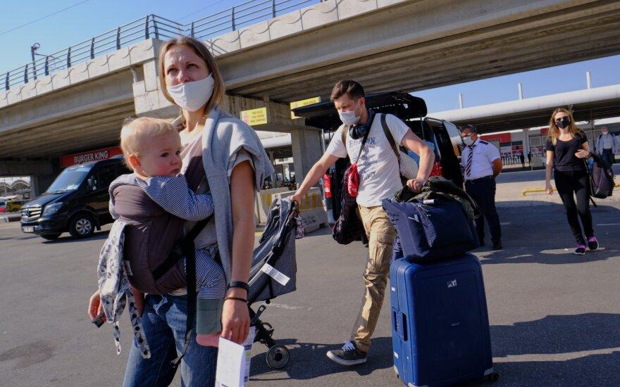 Gydytojas įspėjo keliaujančias šeimas: dalis be reikalo neįvertina šios rizikos