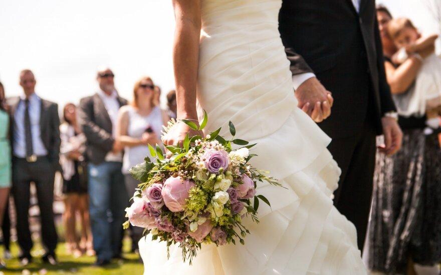 Jaunavedžiai dalinasi keisčiausiais vestuvių svečių pageidavimais
